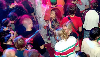 staying safe at university parties, tips and a guide