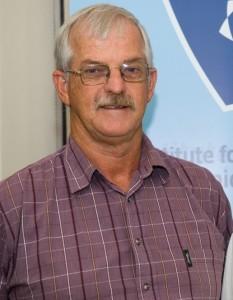 NMMU IT expert gets top award 2 SA Study University, FET and Bursary Information South Africa