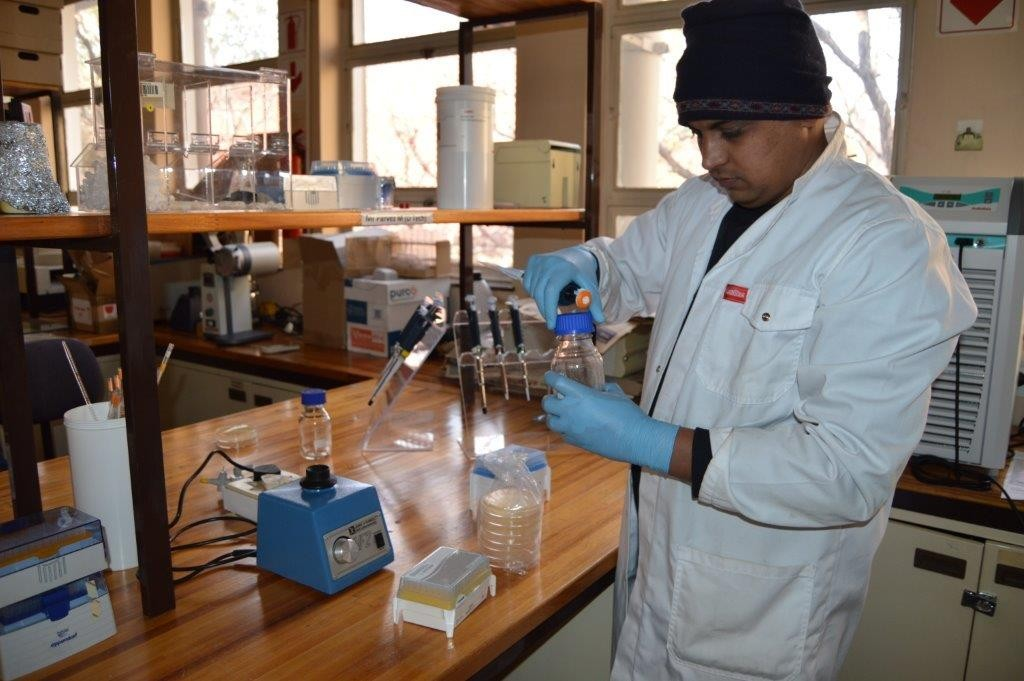 Team members in their state-of-the-are fully equipped laboratory at CUT, Bloemfontein campus diligently researching their new discovery!